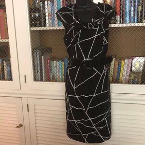 Tahari black and white graphic print dress sz 14